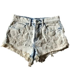 BLANK NYC Distressed Denim Shorts Bleached Sz 26